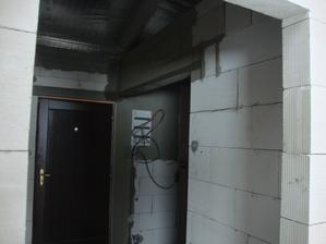 tento týden namontovali HDS tak jsem protahl kabely a připravil rozvadeč. a překládek na stavební pouzdro - 2metry Učka