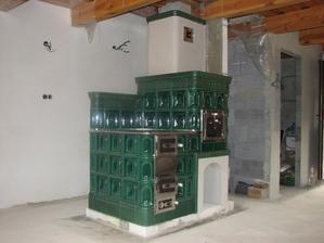 EKOWARM    Kachľový sporák pripojený na ústredné kúrenie