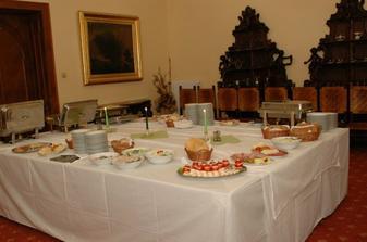 miesto druhej vecere sme mali svedske stoly