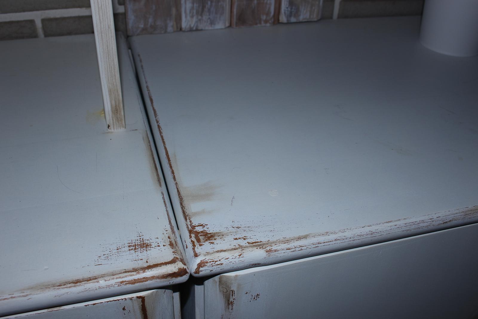 Môj obľúbený provensálsky štýl - Tie skrinky boli pôvodne buk- masív.A teraz sú biele, ako všetko ostatné.