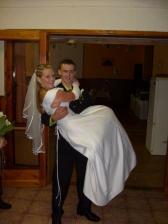 tradice přenášení manželky přes práh