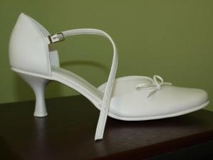 toto sú moje svadobné topánočky..