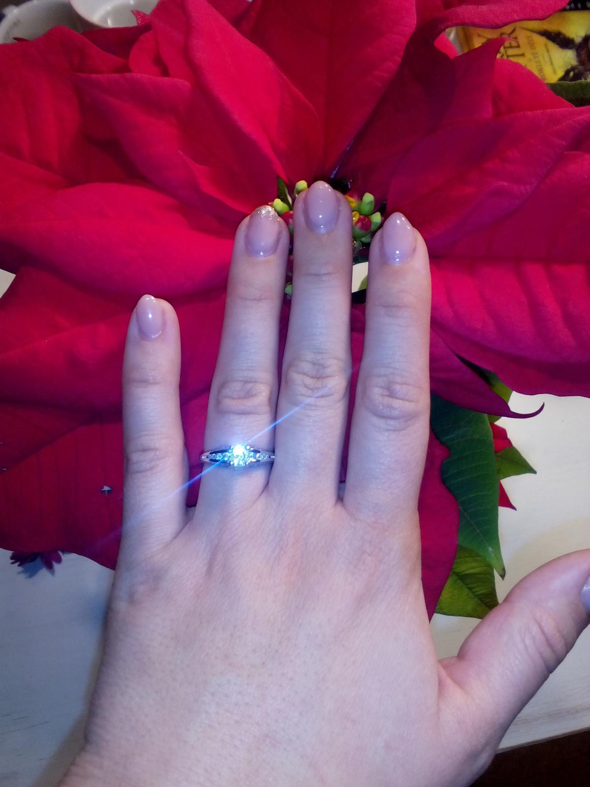 Máme zařízeno - ještě můj nádherný prstýnek :-)