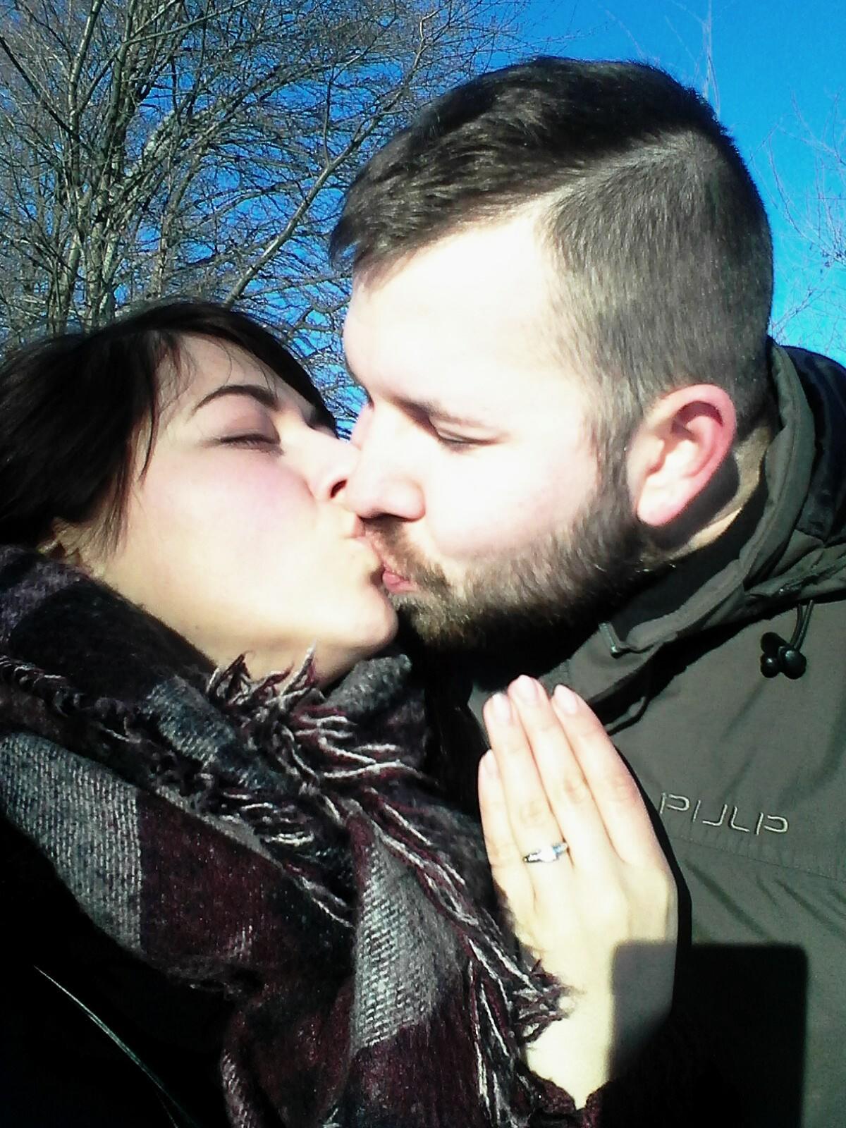 Máme zařízeno - Foto po zasnoubení muselo být :)