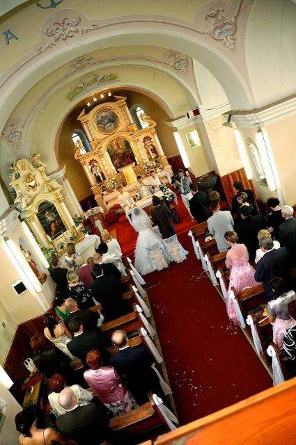 Zuzana Lukáčová{{_AND_}}Ján Ciling - kostol v Dolnom Piali