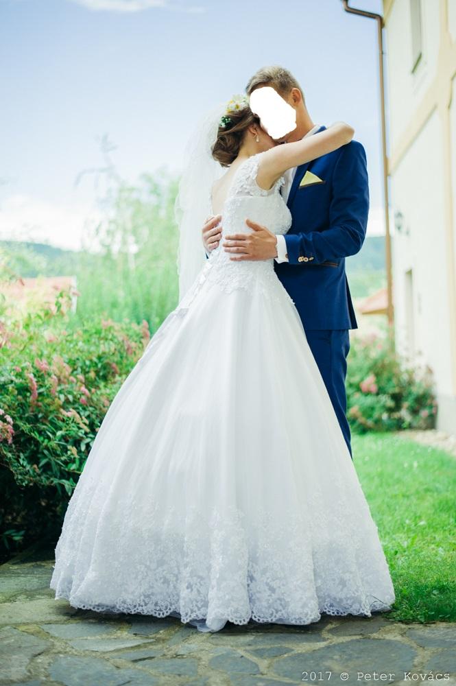 Svadobné šaty so závojom - Obrázok č. 1