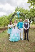 Neobvyklé svatební šaty , 36