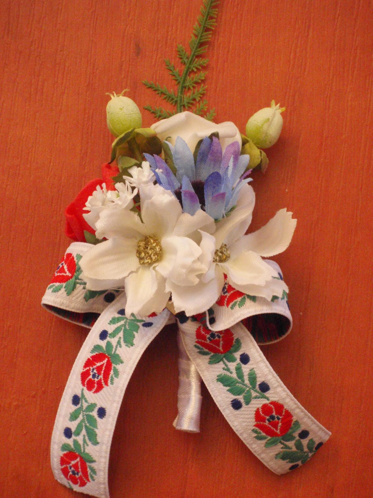 9. Folklórne pierko pre ženícha - Obrázok č. 1