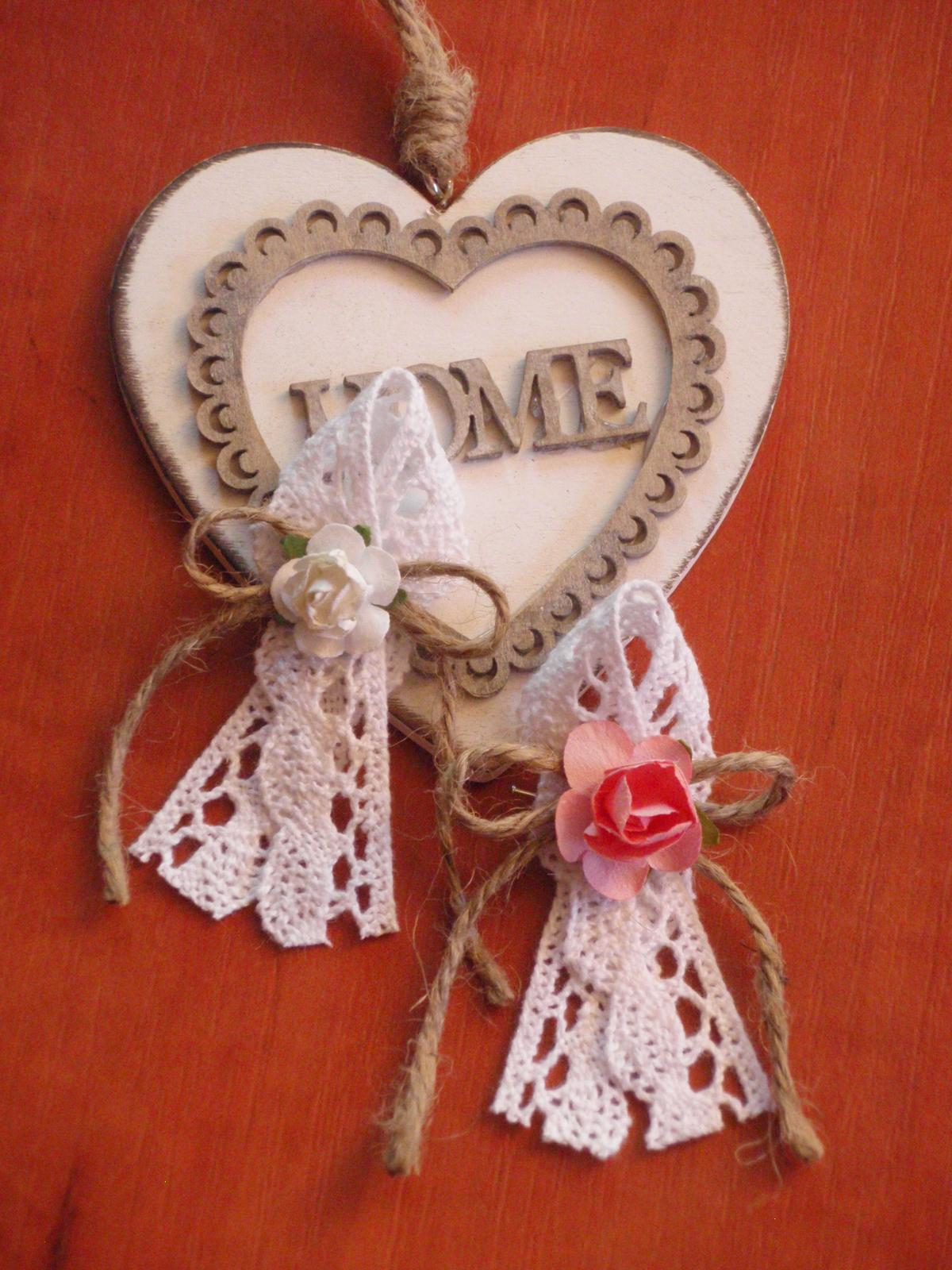 16. Vintage pierka s krajkou a ružou - Obrázok č. 1