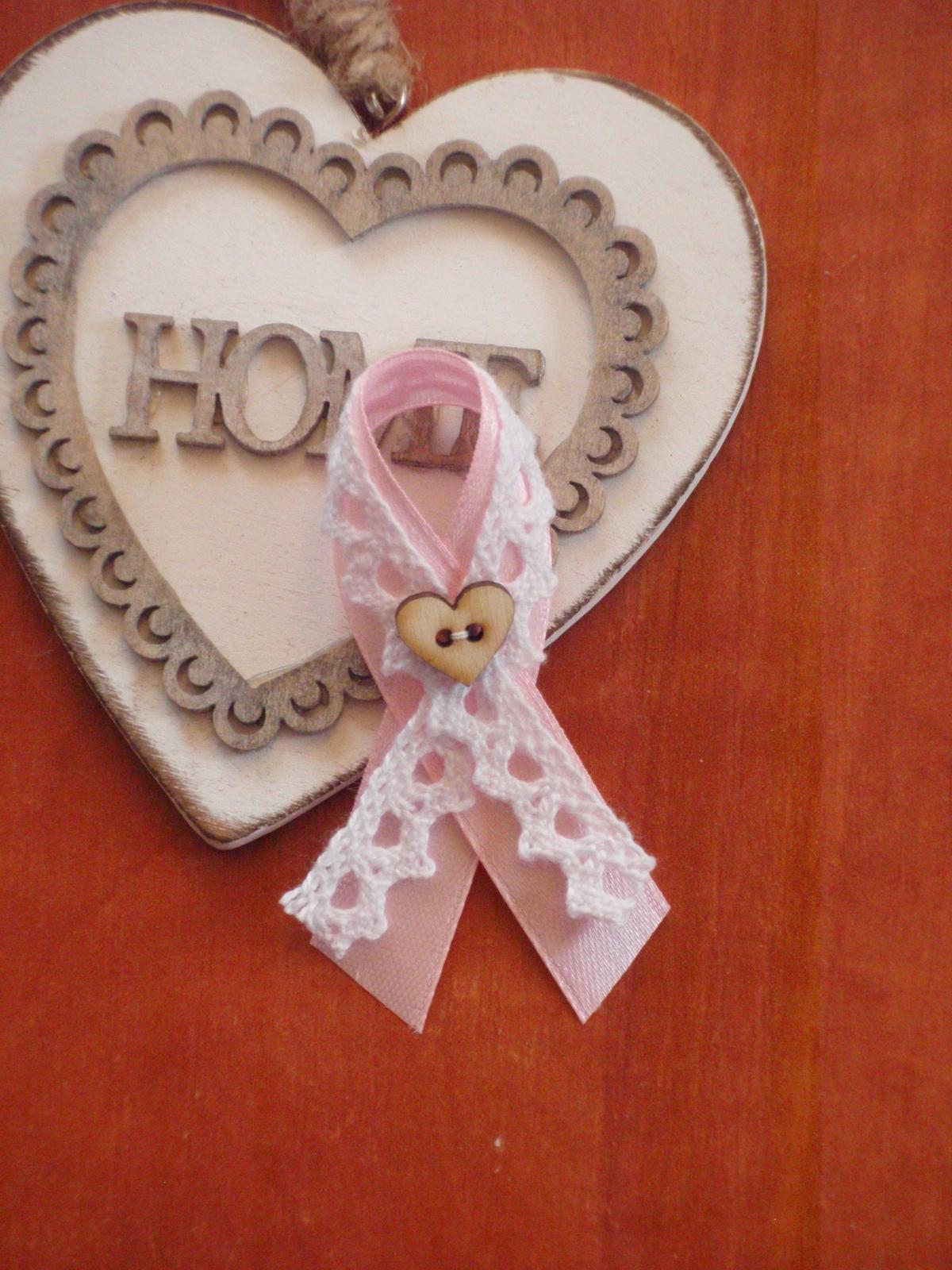 44.Pierka s krajkou, dreveným srdcom - viac farieb - Obrázok č. 1
