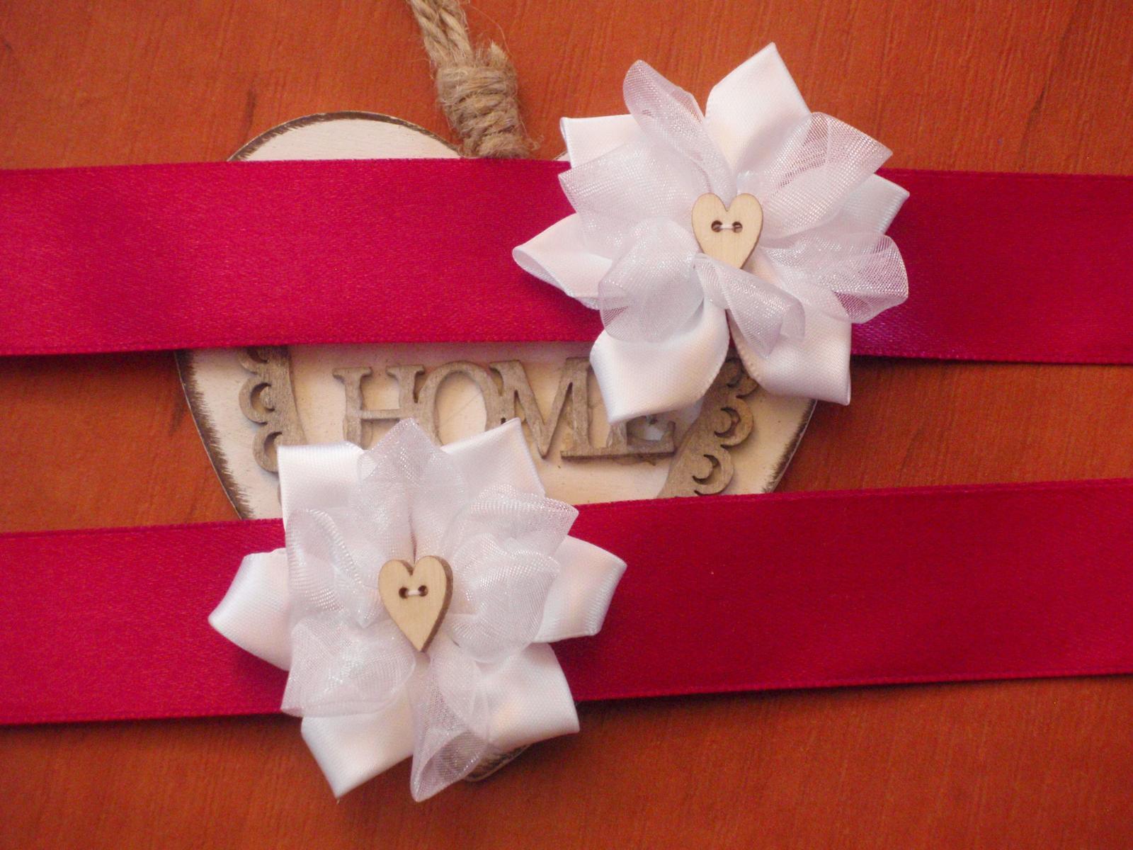 45. Náramky s kvetom a dreveným srdcom - Obrázok č. 1