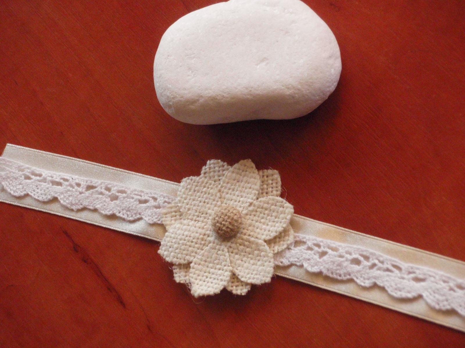 55. Náramok s jutovým kvetom s čipkou - Obrázok č. 1