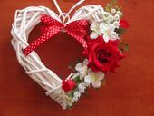 60. Srdce s červenou ružou,