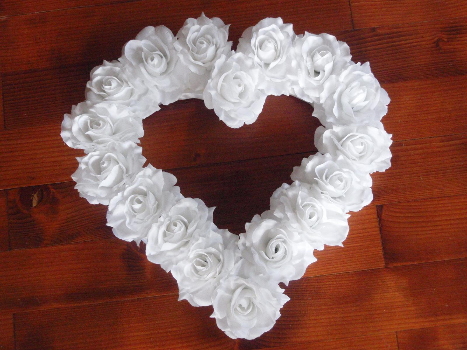 68. Veľké srdce z ruží - viac farieb 40cm - Obrázok č. 1
