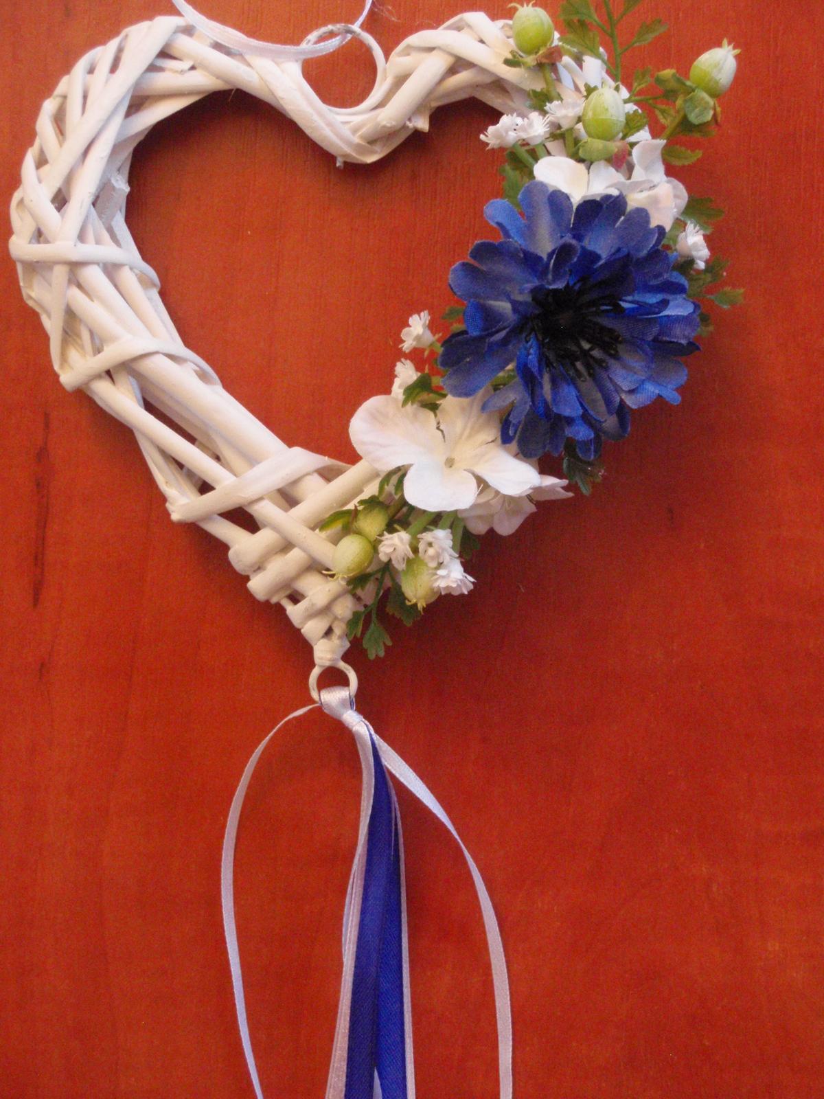 85. Srdiečko s modrým kvetom - Obrázok č. 1
