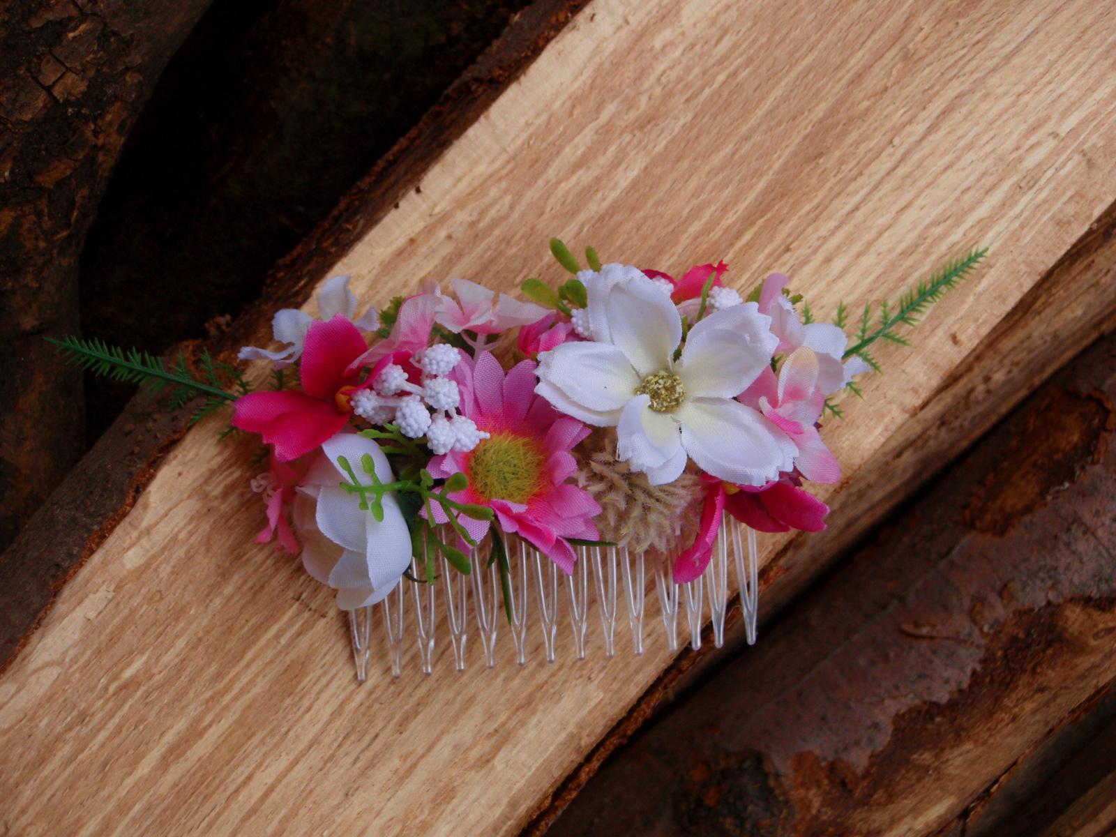 107. Hrebeň do vlasov ružovo-biely - Obrázok č. 1