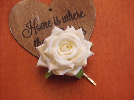 121. Sponka s bielou ružou - Obrázok č. 1