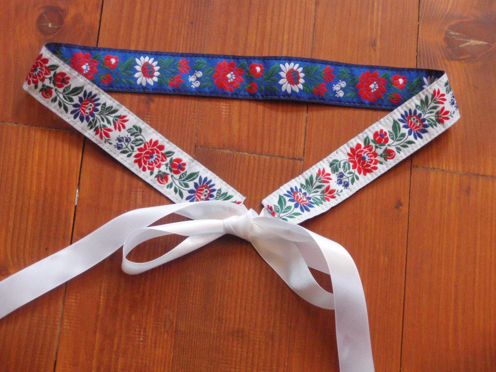 198. Folklórny opasok bielo - modrý 3,5cm - Obrázok č. 1