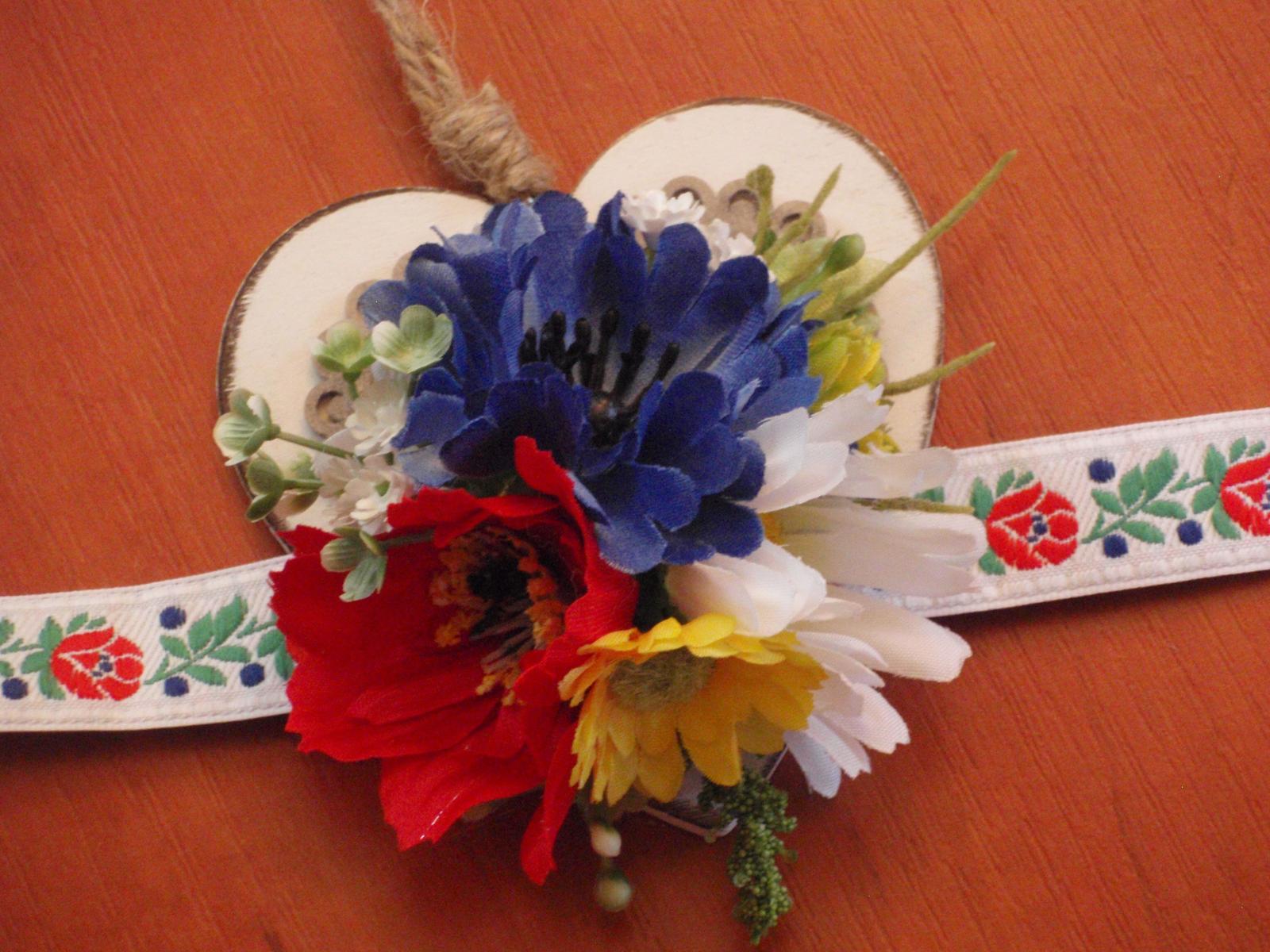 157. Folklórny kvetinový náramok - Obrázok č. 1