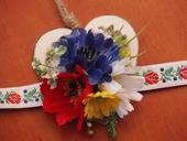 157. Folklórny kvetinový náramok,