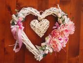 169. Veľké srdce s ružovými kvetmi 44cm ,