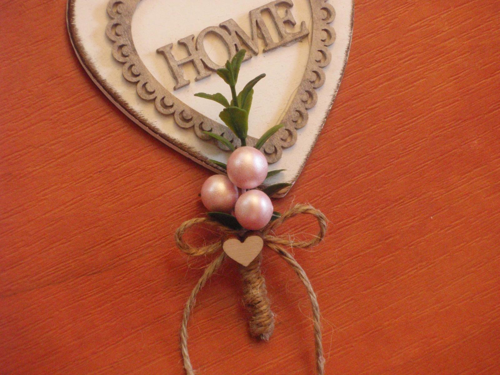 189. Pierka s krušpanom, guličkami a srdiečkom - Obrázok č. 1