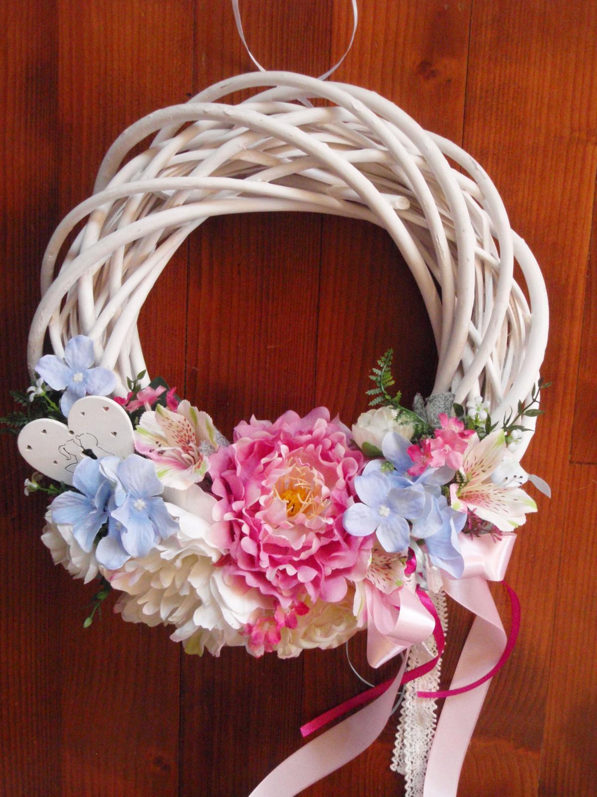 238. Ružovo-modrý svadobný veniec so srdcom 32cm - Obrázok č. 1