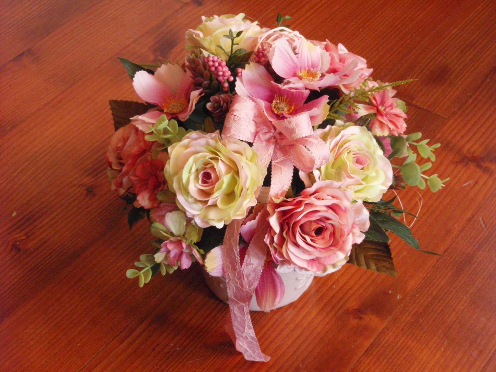 261. Vintage ružovo-zelenkavá dekorácia v keramike - Obrázok č. 1
