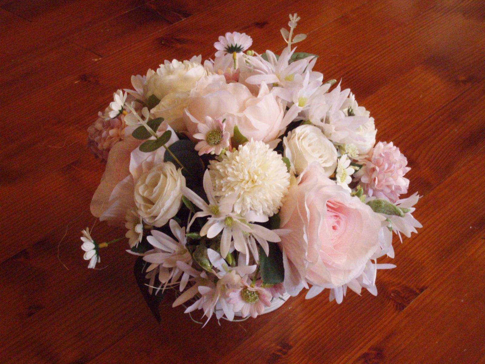 345.Dekorácia v jemných ružových farbách v keramik - Obrázok č. 1