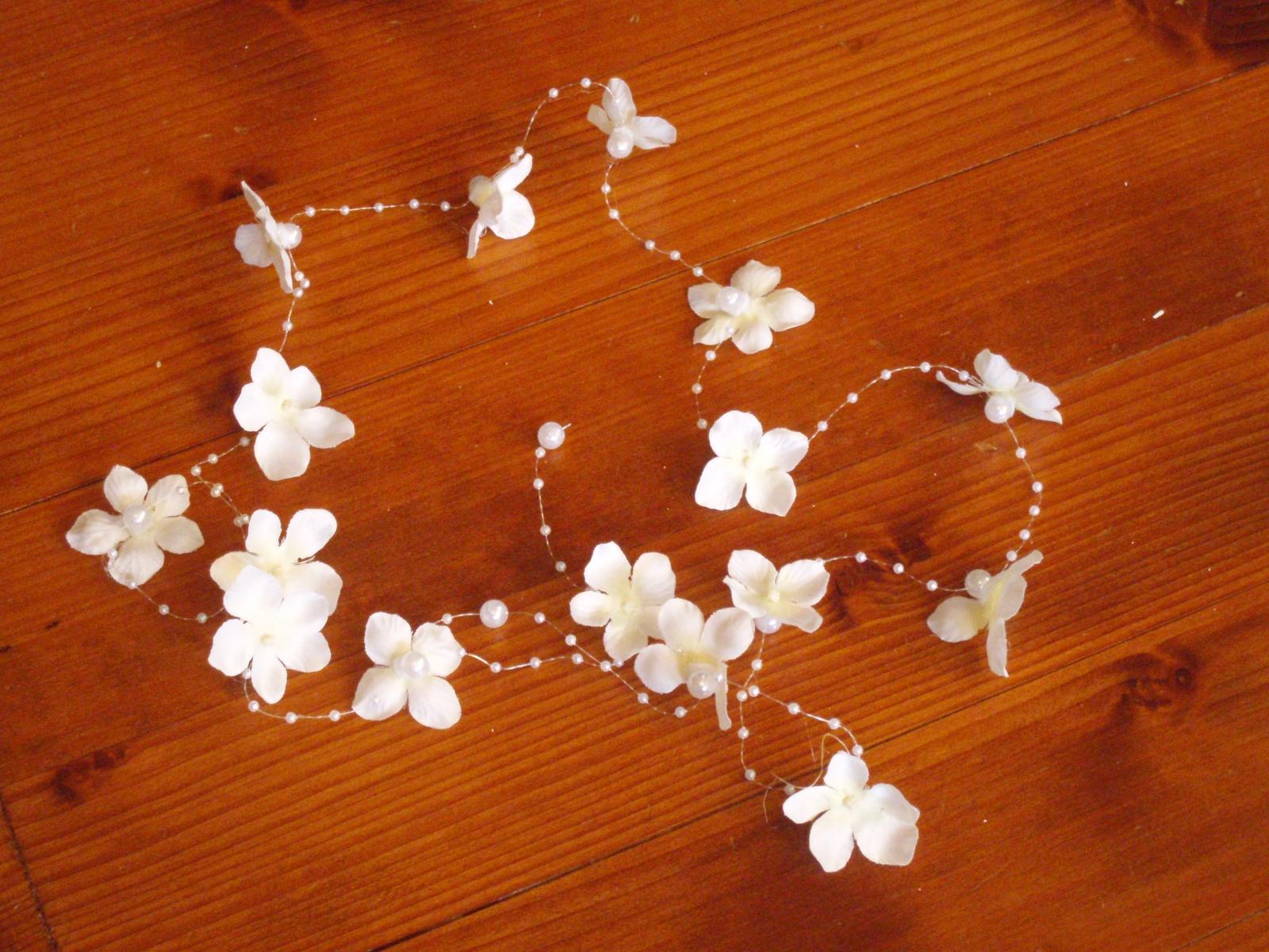 371. Kvetinový pletenec do vlasov z hortenzii - Obrázok č. 1