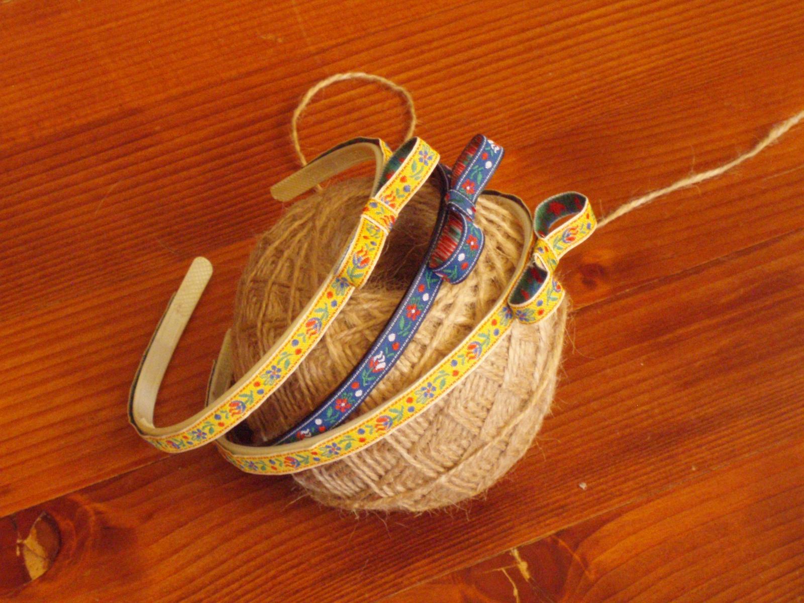 389. Folklórna čelenka s mašľou 1cm - Obrázok č. 1