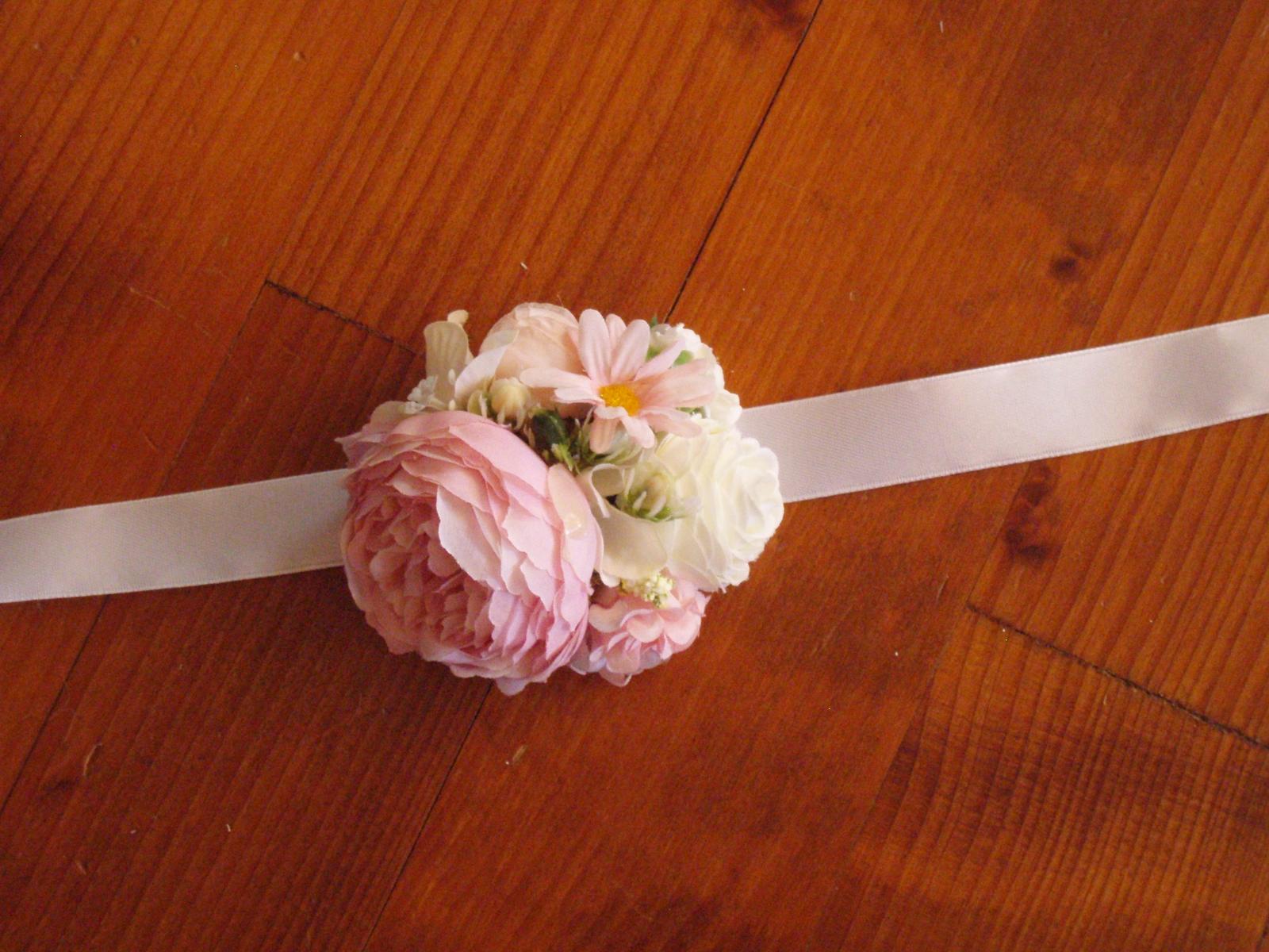 397. Ružovo-biely väčší kvetinový náramok - Obrázok č. 1