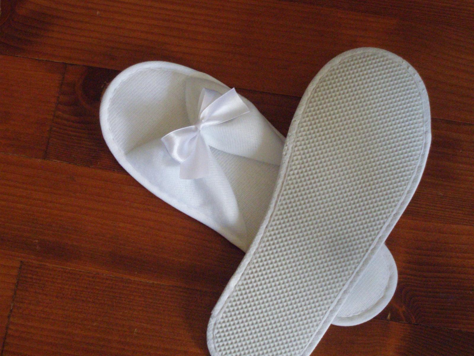 438. Svadobné papuče s mašličkou - Obrázok č. 1