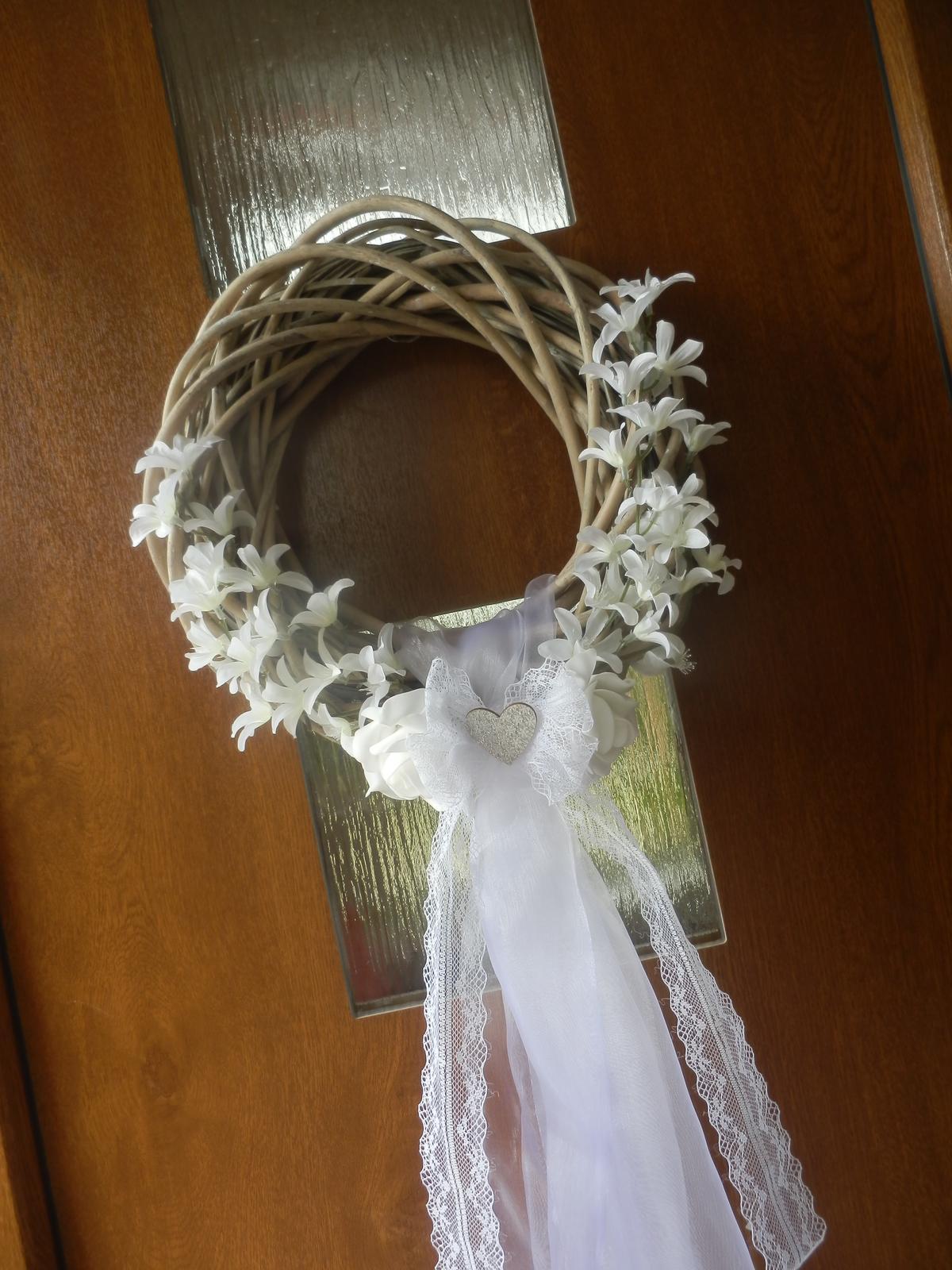 Svatební věnec, věneček na dveře nevěsty  - Obrázek č. 1