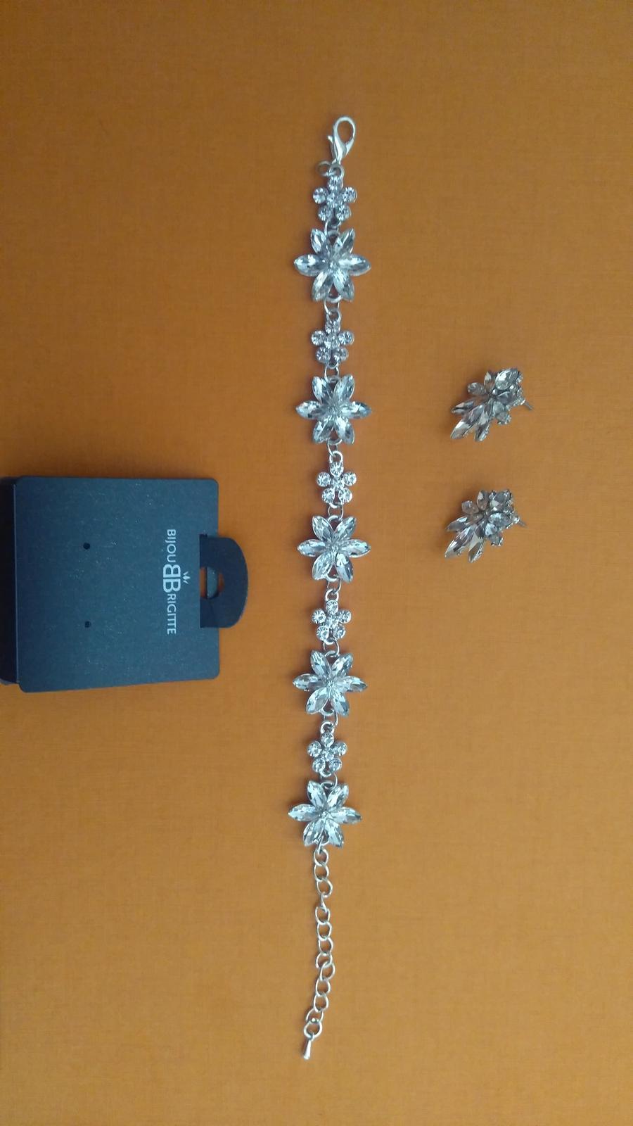 náramok so štrasovými kvetinkami - Obrázok č. 3