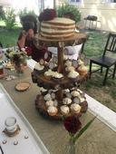 Dřevěný podstavec na dort a cupcakes ,