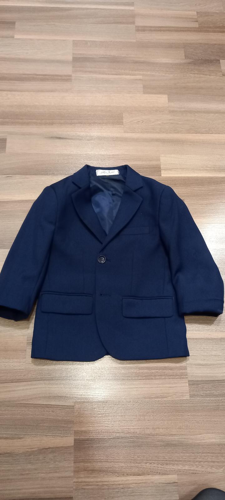 Oblek s vestičkou - Obrázek č. 1