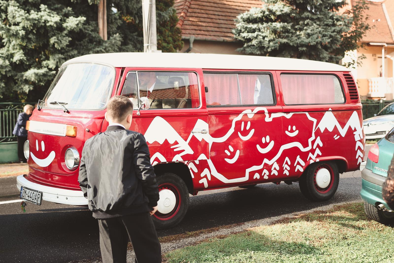 Tánička{{_AND_}}Dávid - Svatební auto