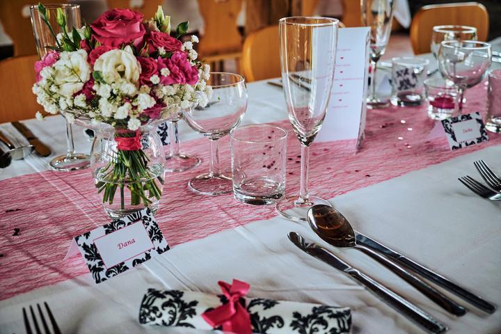 Výzdoba svatebních stolů nevěst z Bereme se - Obrázek č. 14