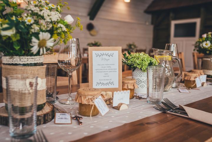 Výzdoba svatebních stolů nevěst z Bereme se - Obrázek č. 40