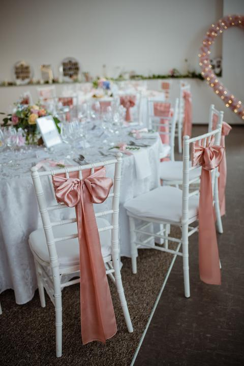 Výzdoba svatebních stolů nevěst z Bereme se - Obrázek č. 43