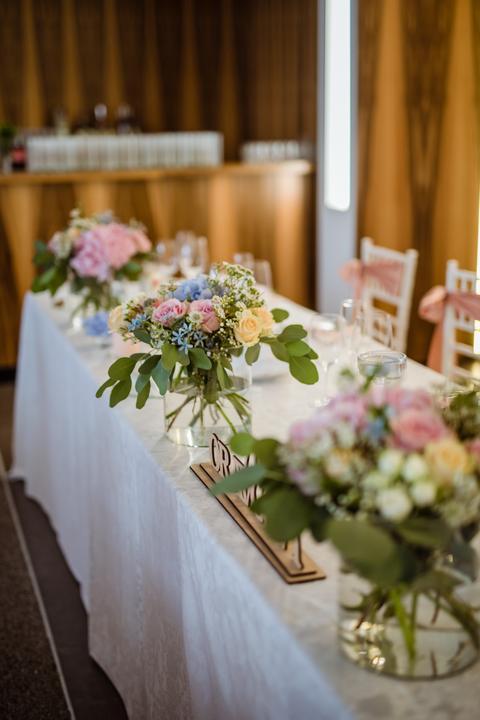 Výzdoba svatebních stolů nevěst z Bereme se - Obrázek č. 44