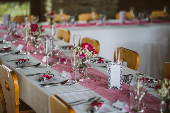 Výzdoba svatebních stolů nevěst z Bereme se - Obrázek č. 47