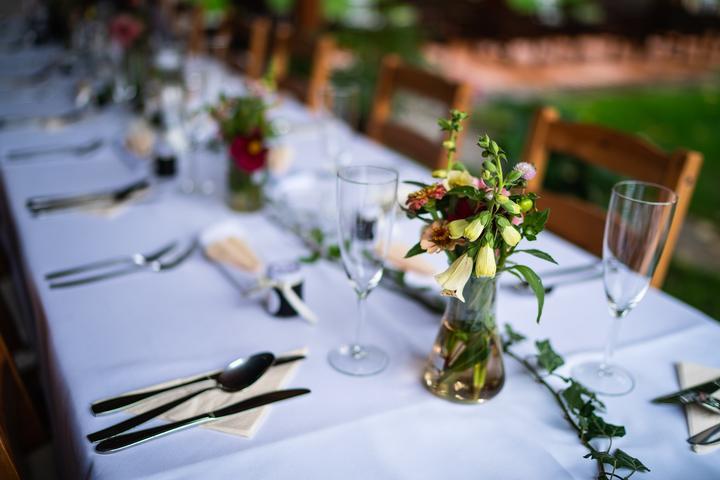 Výzdoba svatebních stolů nevěst z Bereme se - Obrázek č. 51
