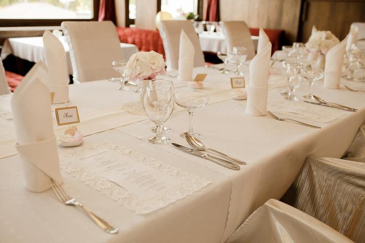 Výzdoba svatebních stolů nevěst z Bereme se - Obrázek č. 145