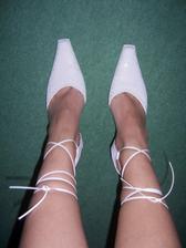 moje svatební boty, snad v nich v zimě moc nezmrznu
