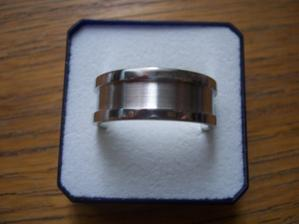 Stevůj prstýnek z bílého zlata