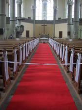 pohled na vyzdobeny kostel