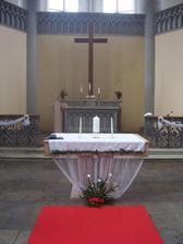 vyzdobeny oltar