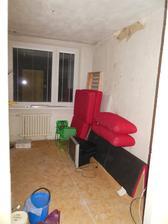 Jeden dětský pokojík vyklizený a půjde se pomalu dělat dětem :)